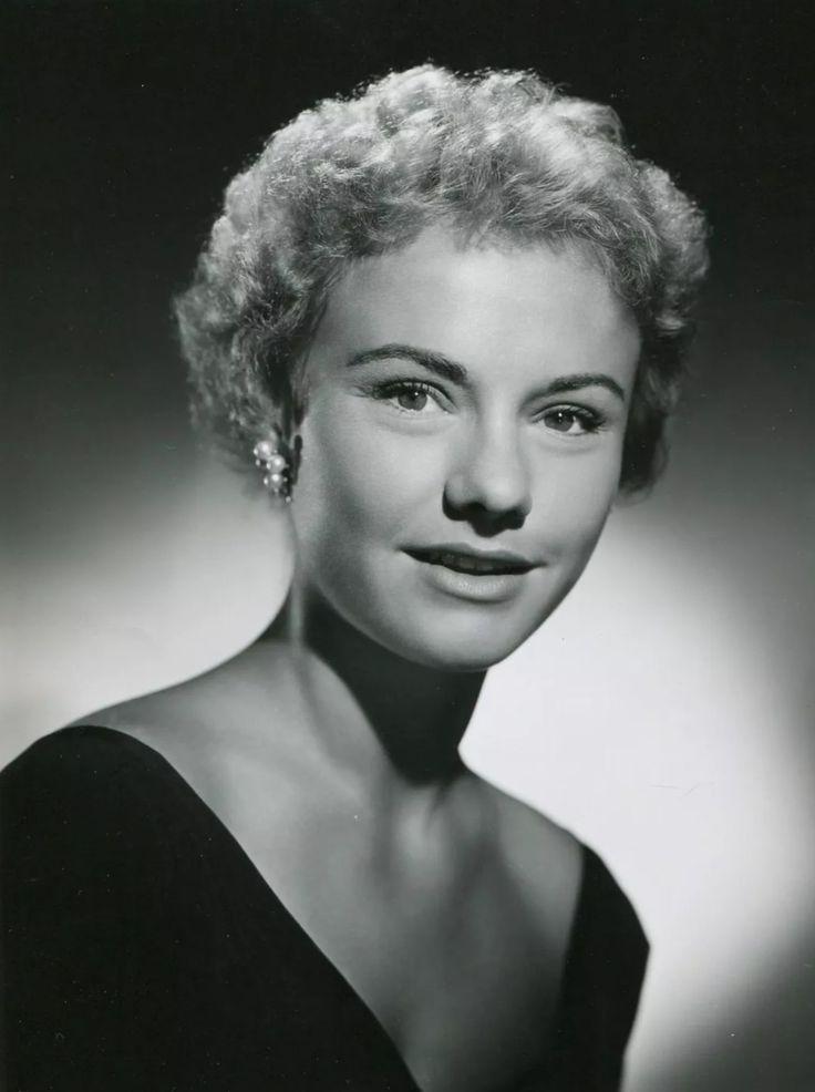 Peggy Ann Garner (February 3, 1932 – October 16, 1984)