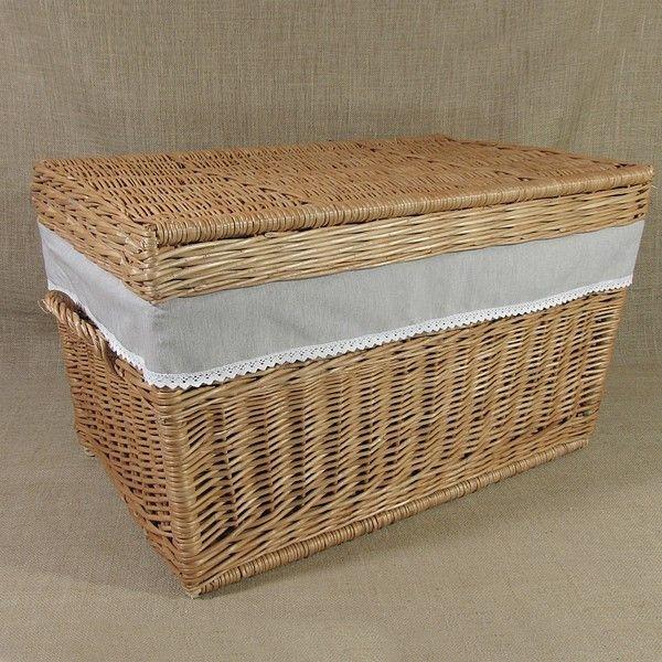 Wiklinowy kufer obszyty materiałem - melanż z koronką.