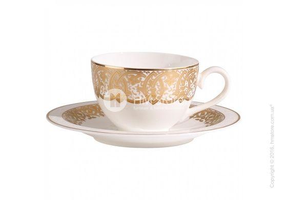 Роскошная новинка 2016 – коллекция посуды Golden Oasis! Чашка с блюдцем выполнены из изящного костяного фарфора и покрыты вычурным узором. Золотые элементы декора на обеих предметах придают комплекту шикарный вид. Именно такой набор от Villeroy & Boch будет идеальным подарком для близкого человека, которому нравятся эксклюзивные вещи!