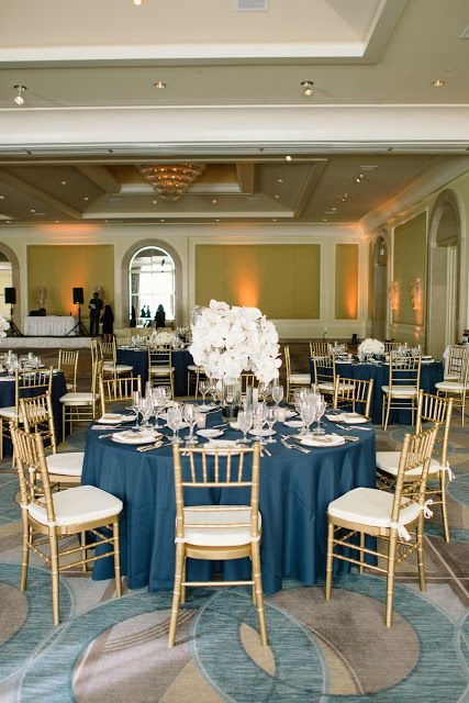 navy blue, white, gold wedding, white orchids, white flowers, white wedding // Events by Satra // Delbarr Moradi Photography // Poppy's Petalworks