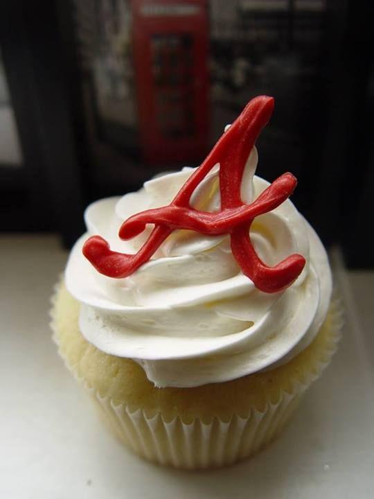 Atlanta Braves cupcake from Truly Great Cupcakes     https://sphotos-a.xx.fbcdn.net/hphotos-frc3/q71/s720x720/970126_385462194904931_767345690_n.jpg