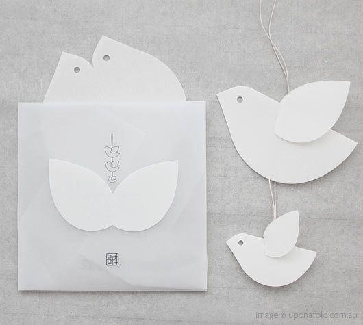 Yoko Noguchi paper birdsBirdie Cards, Kotori Mobiles, Artesanato Papel, Little Birds, Birds Mobiles, Paper Birds, Greeting Cards, Noguchi Paper, Phones Reviews