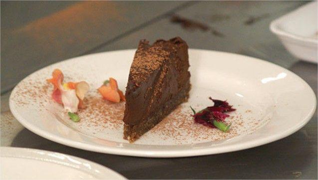 Naservírujte na veľkonočný stôl aj nezvyčajný dezert, ktorý si vďaka jeho nízkej obtiažnosti pripravíte veľmi jednoducho a rýchlo. Torta nás poteší nielen svojou chuťou, ale najmä aj tým, že je zdr…