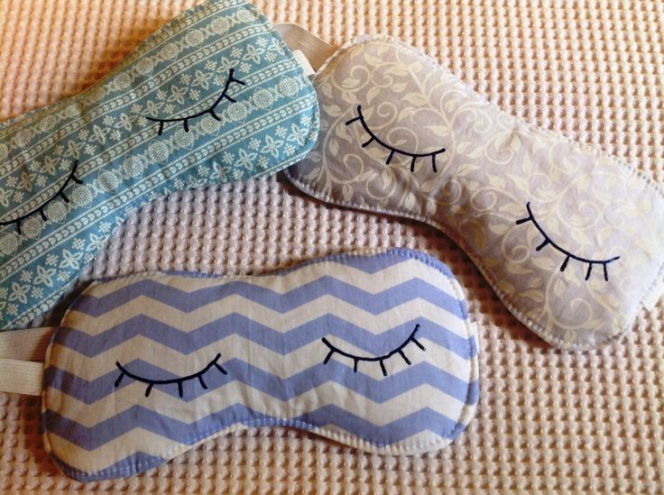 Lembrancinha - Máscara de dormir com olhinhos pintados