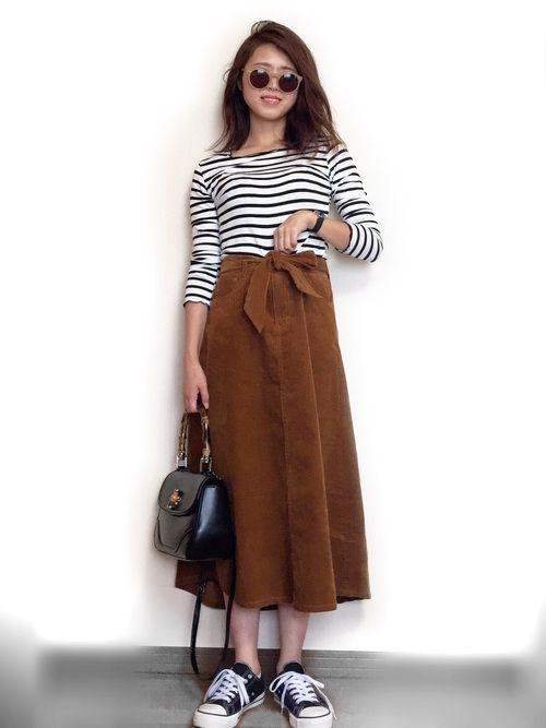 インスタ: mii_wear ▷プロフから飛べます✈︎ 秋にぴったりのコーデュロイスカート