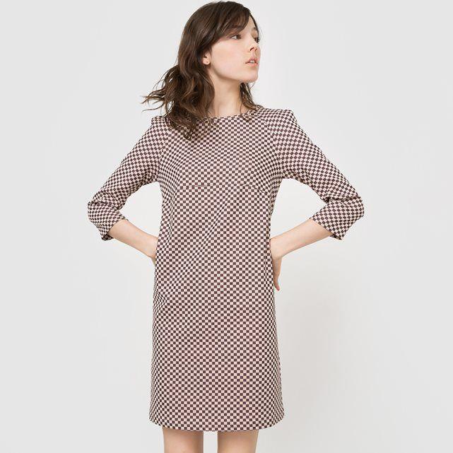 Платье с шахматным узором MADEMOISELLE R : цена, отзывы & рейтинг, доставка. Отрезное платье с шахматным узором. Вырез-лодочка. Длинные рукава. Отрезное под грудью. Верх рукава со складками. Потайная застежка на молнию сзади. . Состав и описаниеМатериал: 47% вискозы, 29% полиэстера, 21% полиамида, 3% эластана.Марка: Mademoiselle R. УходМашинная стирка при 30°C с вещами подобных цветов.Стирка и глажка с изнаночной стороны.Машинная сушка запрещена.Гладить при низкой температуре.