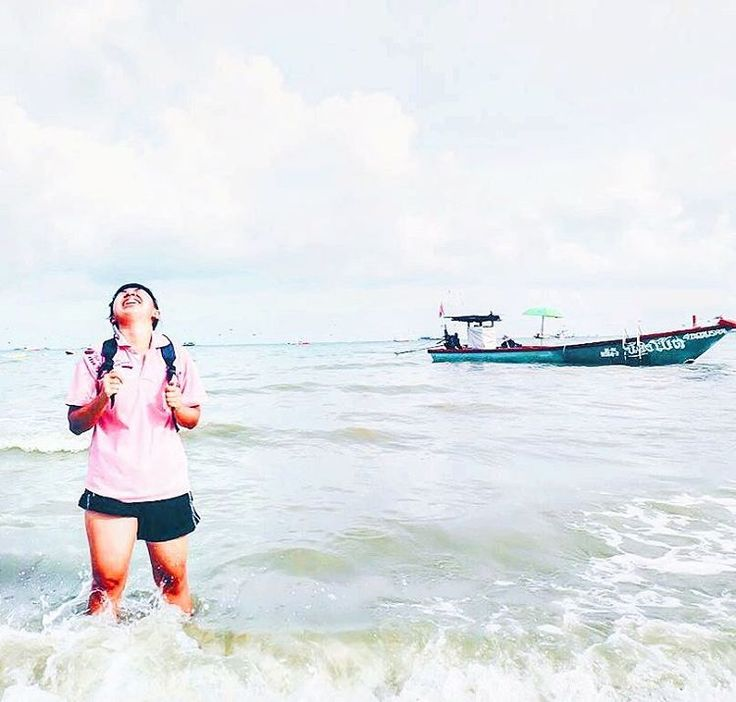 �� มองทุกอย่างให้เป็นสุข ใจก็สุขตาม happy in everytime. �� Pattaya Beach �� �� #travel #traveling #TFLers #vacation #visiting #instatravel #instago #instagood #trip #holiday #photooftheday #fun #travelling #tourism #tourist #instapassport #instatraveling #mytravelgram #travelgram #travelingram #igtravel #pattayabeach #followme #follow #follows #sea #smile #happy #boat http://tipsrazzi.com/ipost/1520227685409211443/?code=BUY7wZ-h8Qz