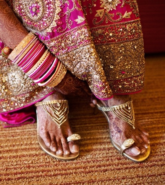 Bridal Shoes India: 11 Best Images About Indian Bridal Footwear On Pinterest