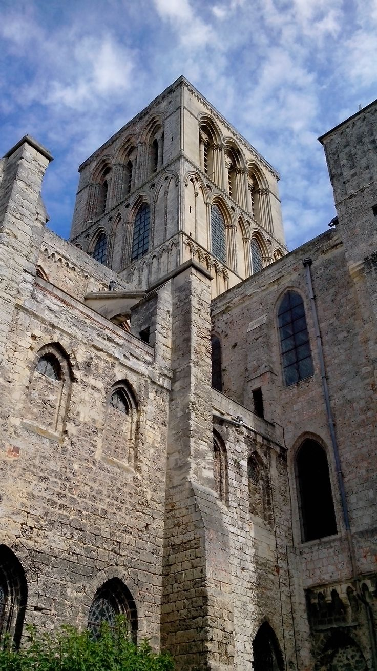 L'abbaye de la Trinité