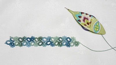 pretty shuttle and tatting thread
