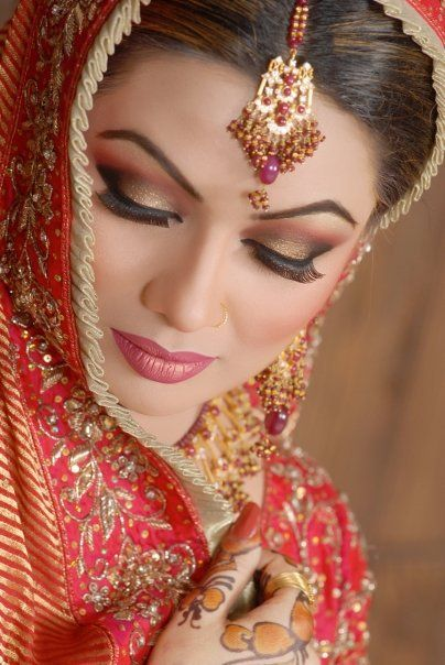 indian wedding makeup   Pakistani Bridal Makeup Collection 2011-12   New Bridal Makeup ...