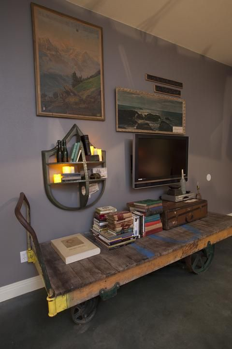 The Swashbuckling Bachelor Pad For Junk Gypsies Series On Hgtv Reruns Great American