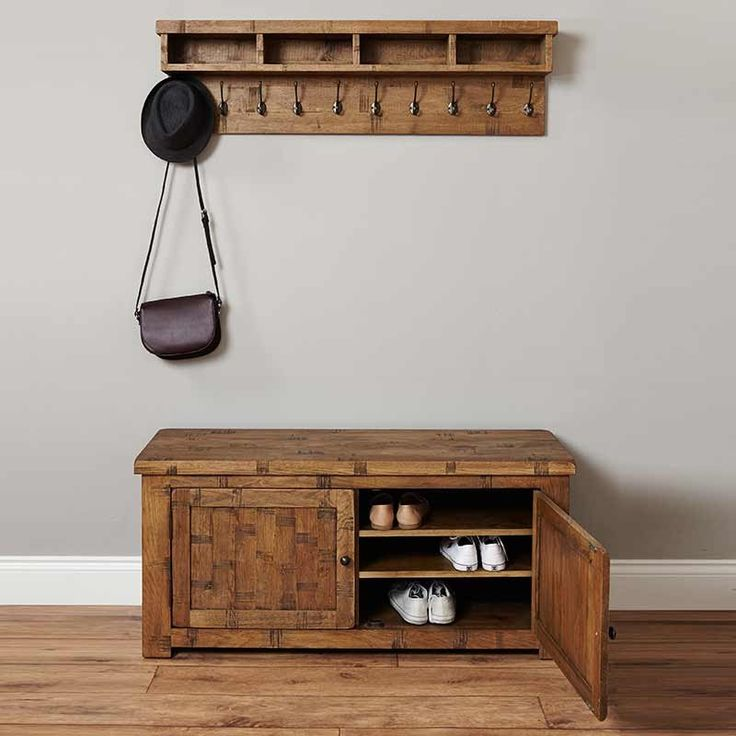 I Like The Cupboard Shape Possibility For Built Ins In: 25+ Best Ideas About Storage Benches On Pinterest