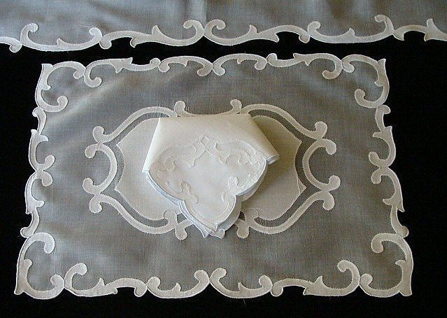 FAB 17pc Vtg MADEIRA Linen Organdy Placemats Hand Embroidered GORGEOUS