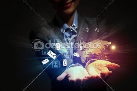 современная беспроводная технология и социальные медиа — Стоковое изображение #16243911