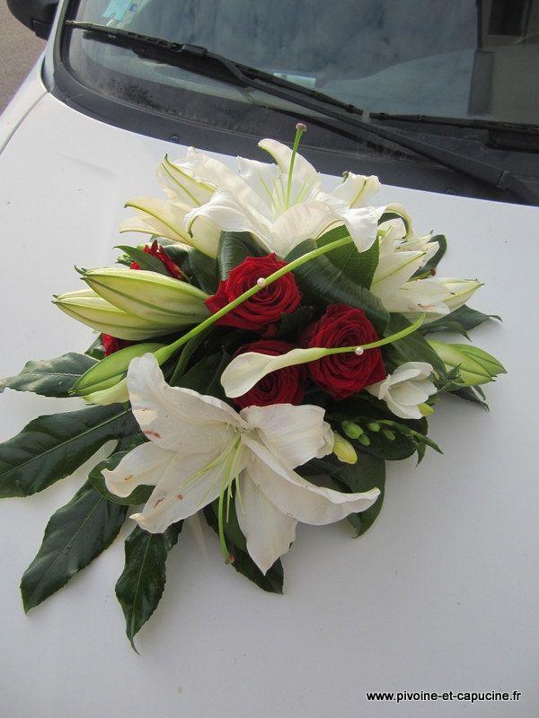 Decor de capot de voiture de lys blanc callas blanc - Centre de table rouge et blanc pour mariage ...