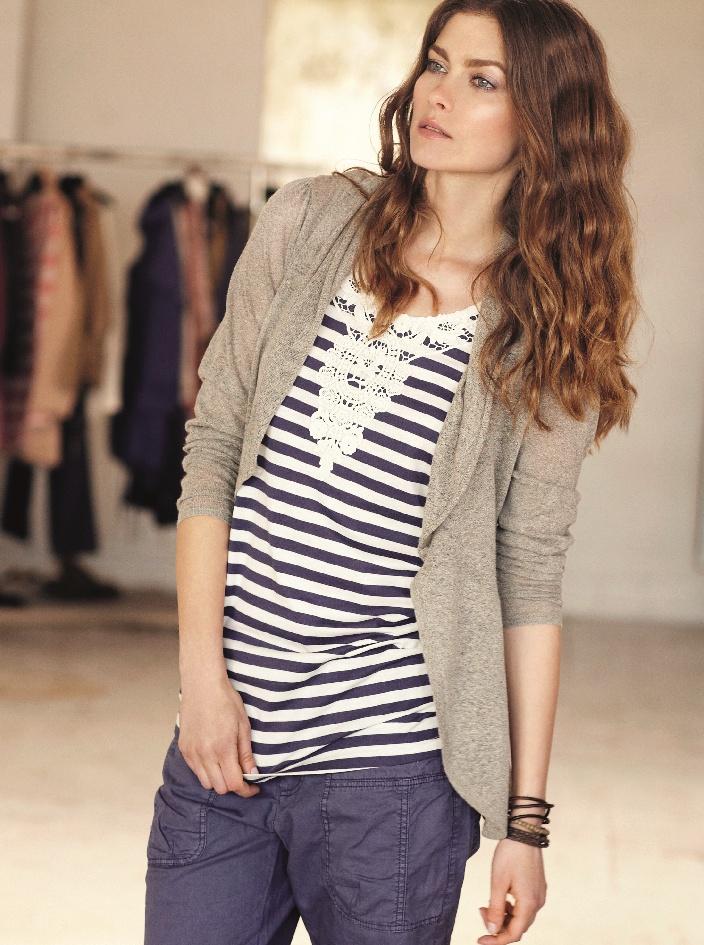 Klassisk marineblå & hvit-stripet topp  Share female spring