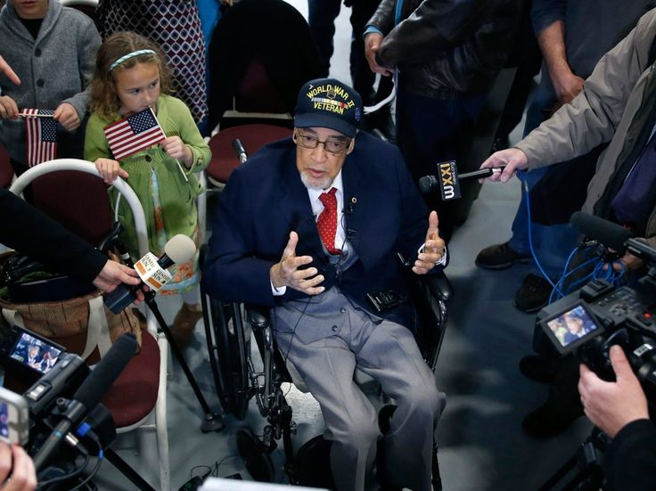 Tuskegee Airmen receive Congressional Gold Medal via Stars & Stripes