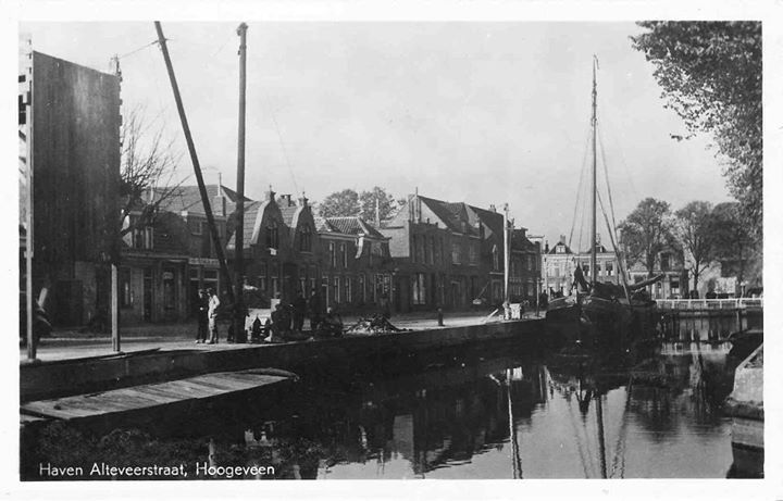 Hoogeveen. Haven Alteveerstraat