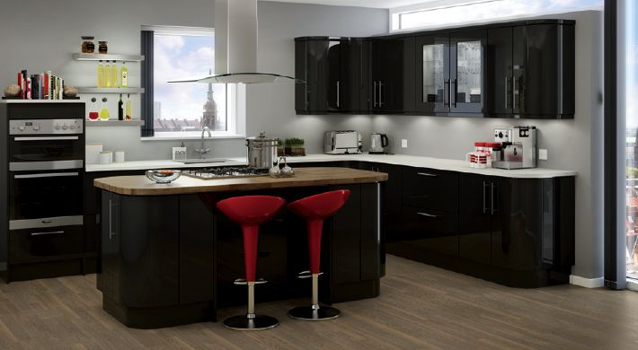 The Magnet Studio Noir Range. Create an impact with this dramatic, high-gloss finish kitchen. #stylish #kitchen #black #gloss