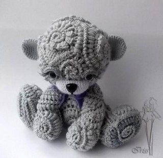 Textured amigurumi teddy bear by Rachie Hanson