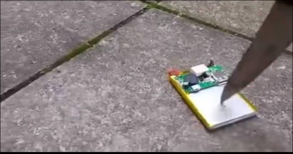 O que acontece quando se fura uma bateria de celular