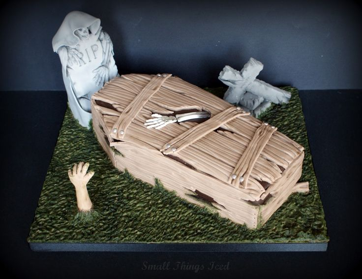 Best 25 halloween coffin ideas on pinterest diy for Coffin cake template