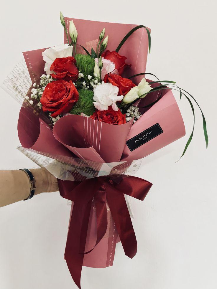 Love lover #爱是生命的火焰 #爱是深深的喜欢 #给爱人的祝福 #拥抱你 #深爱你的人 #玫瑰花 #花束 #鲜花 #满天星 #洋桔梗 #欧式 #韩式 #设计 #预订 #手花 #HandBouquet #Babybreath #Rose #JohorBahru #Johor #JohorJaya #Florist #小天使花屋 #AngelFloristGiftCentre #新山花店 #花店 #新山 #柔佛 #Wechat #WhatsApp 010-6608200