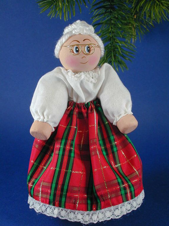 Mrs Claus Clothespin Doll