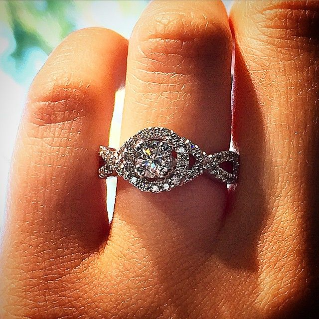 Top 10 Twisted Shank Engagement Rings: The infinity halo
