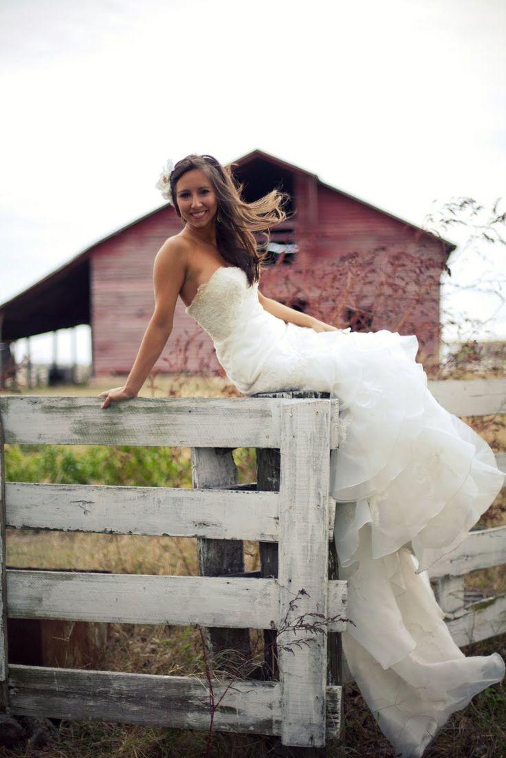Southern Bride. Barn Wedding.