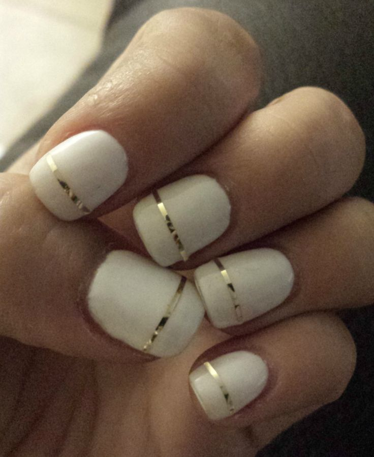 White And Gold Nails, Gold Stripe Nails, Nail Foil