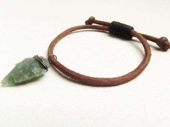 Rough Brown Leather Bracelet With Carved Stone door SpringToFall, €9.95