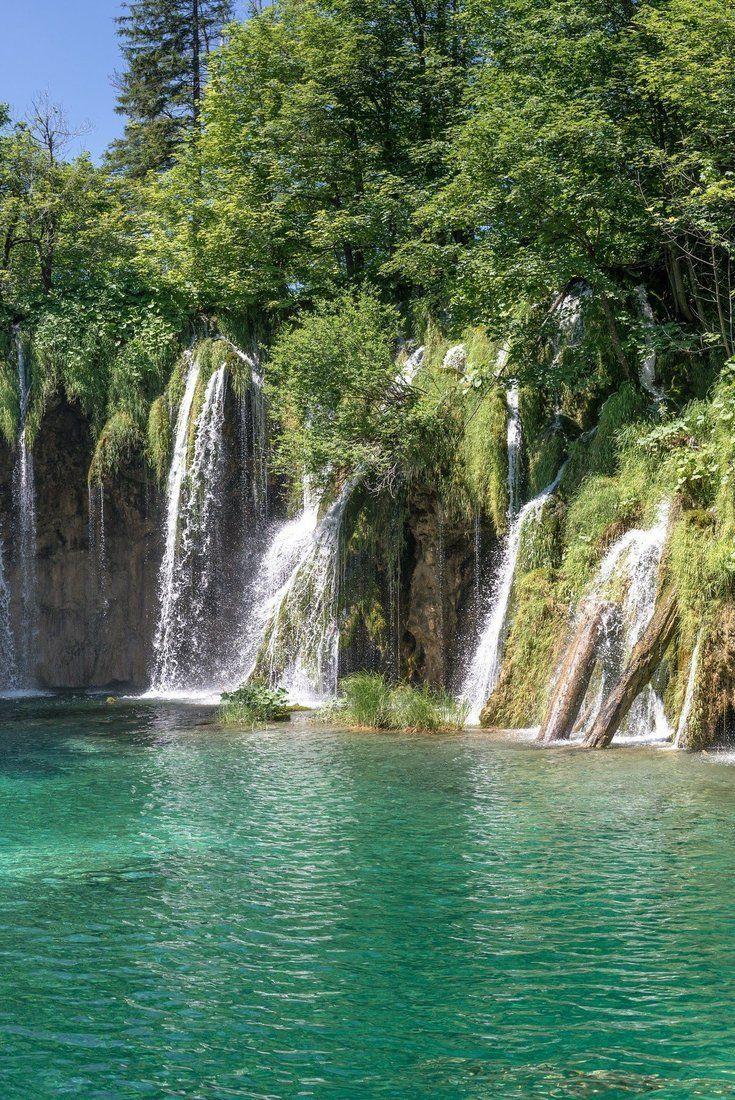 Les Lacs De Plitvice En Croatie Cascades Et Eau Bleue Turquoise Paysage Lac Lac Paysage Magnifique Lac