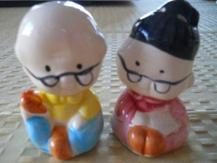 Japanese Couple Salt and Pepper Shakers  Vintage by DEWshophere, $6.99
