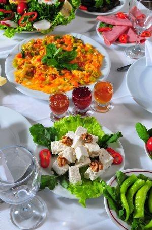 Pazar günü kahvaltılarında tazelenin!                 Nakkaştepe'de gerçek doğal lezzetler!