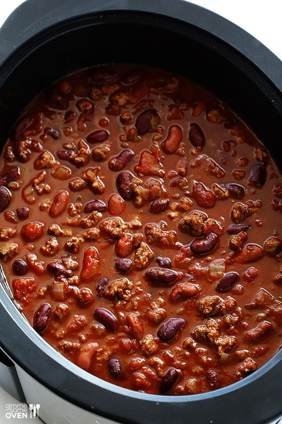 Classic Slow Cooker Chili -- super easy to make, and SO GOOD! Perfect for the fall and game day! | gimmesomeoven.com