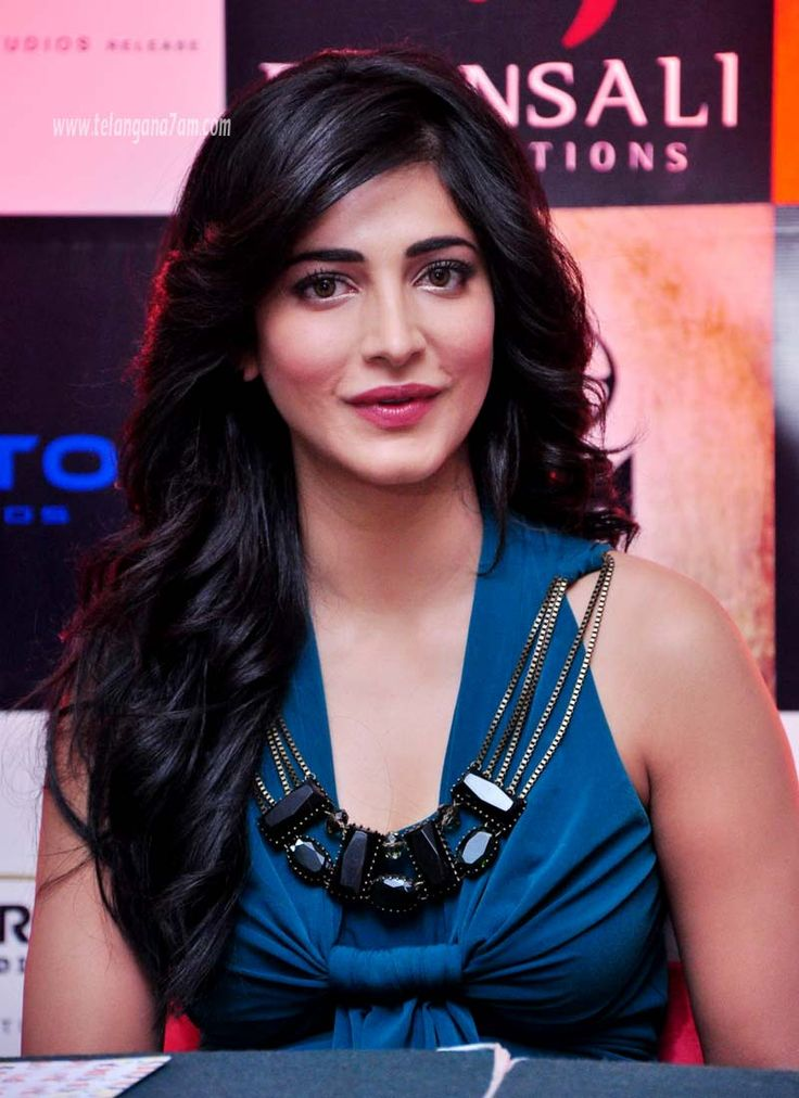 shruti Hassan hd wallpapers in Tollywood heroines gallery. She was an Indian film actress, Singer and musician. Shruti Hassan hd Images and hot photo gallery. #Shrutihassan