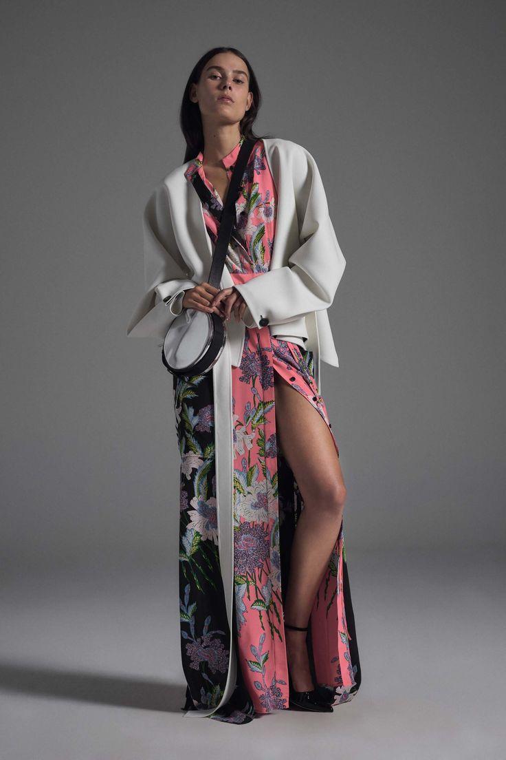 Diane von Furstenberg Spring 2017 Ready-to-Wear Collection Photos - Vogue