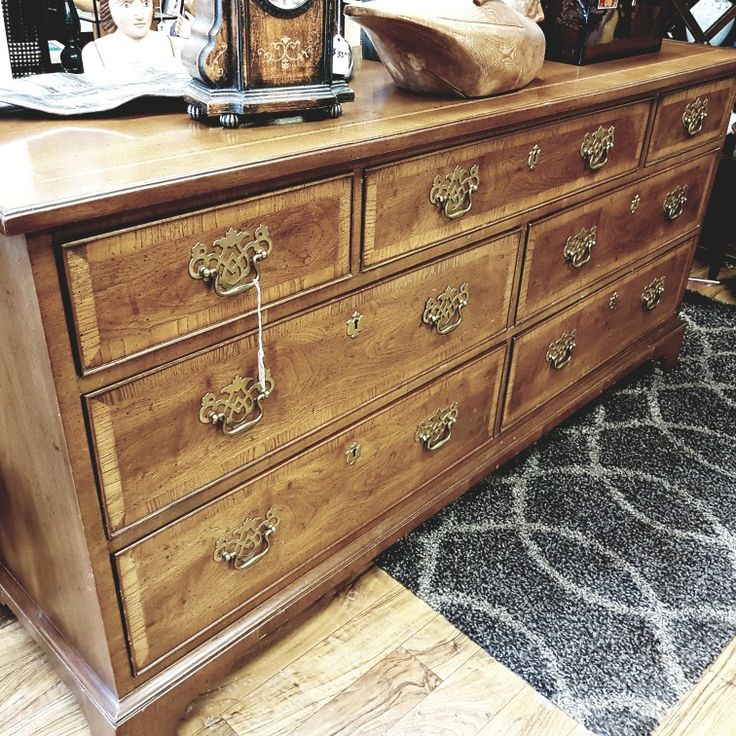 Stunning Henredon Furniture. This is new in and such a lovely piece #henredon #wood #furniture #antiques #collingwood #shoplocal #furniturestore #giftideas #interiordesign #woodfurniture #vintage #auctions #homedecor #dresser #accentpiece #home #money #homefurnishings