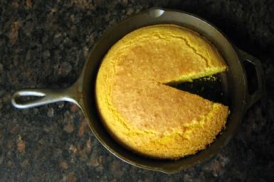 Rich Southern-Style Cornbread in Cast Iron Skillet: Southern Skillet ...