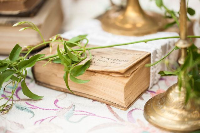 #lente #idee #boek #decoratie #bruiloft #trouwen #huwelijk #inspiratie #spring #wedding #book #decoration #idea #inspiration | Photography: Moniek van Gils Fotografie | ThePerfectWedding.nl