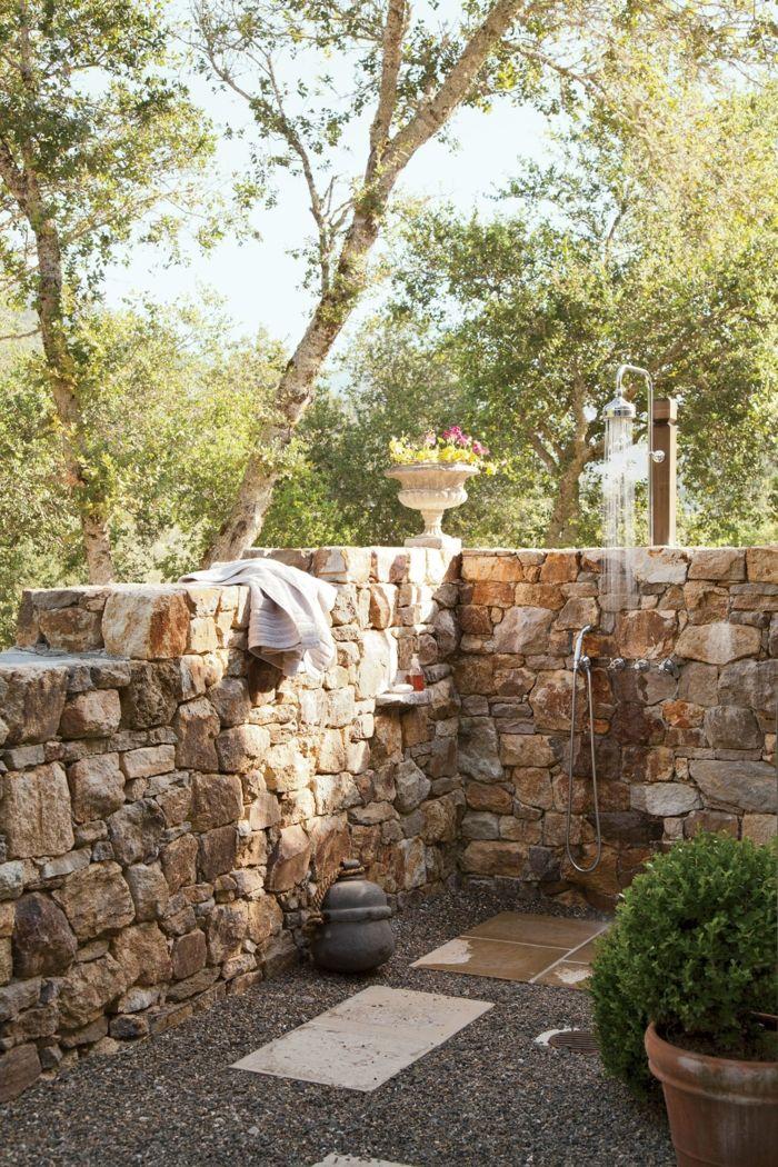 gartenideen auendusche steine kies gehweg - Gartenideen Wall