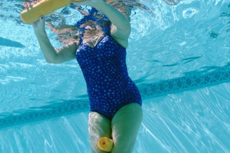 Entrenamiento por intervalos de aeróbics en agua. El ejercicio acuático , que es también llamado aeróbics en el agua , antes estaba asociado a programas de acondicionamiento físico de alto nivel, ejercicios prenatales y rehabilitación de lesiones. Como métodos de entrenamiento, el ejerciccio ...
