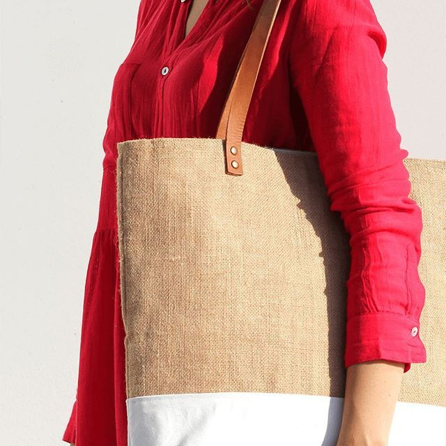 We are super exited about all the new products online at: Turqueta.com, including this beauty  #photooftheday #makersvillage #dslooking #fashionhunter #etsy #etsyshop #etsyhunter #favehandmade #ladyinred #supportsmallbusiness #made in #barcelona #vscocam #tote #beachbag