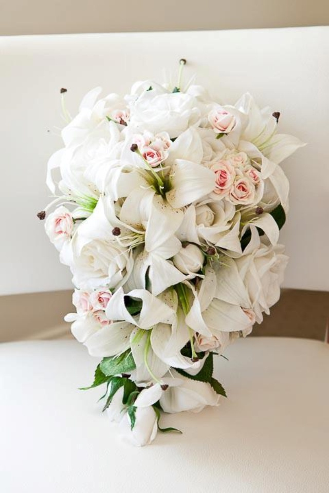 Lily n roses bouquet