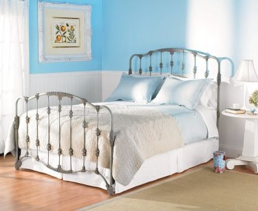 Rod Iron bed.....really pretty.