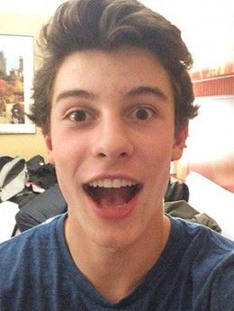 shawn-off-stage-300