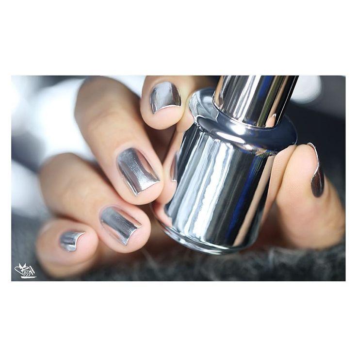 Mirror, Mirror, Who Has the Best Metallic Nails? You, Now!