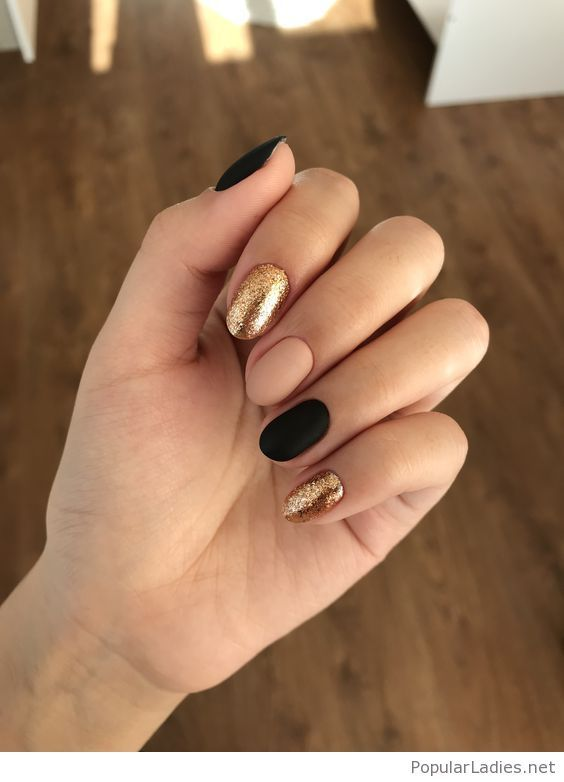 Matte and glitter, classic style